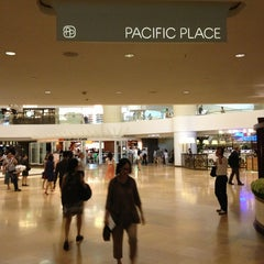 Photo taken at Pacific Place 太古廣場 by Ian T. on 5/27/2013