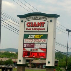 Photo taken at Giant Gasoline by Steve b. on 6/21/2013