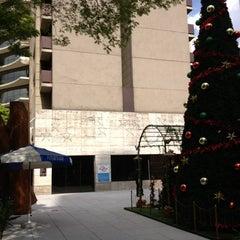 Photo taken at Livraria Saraiva by Luis Eduardo P. on 12/2/2012