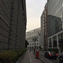 Photo taken at 東京証券取引所 (Tokyo Stock Exchange) by Rika I. on 5/28/2015
