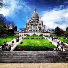 Photo taken at Basilique du Sacré-Cœur de Montmartre by Valentina D. on 4/20/2013