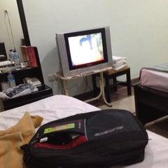 Photo taken at HOTEL MANGKUTO PAYAKUMBUH by Mandan S. on 12/27/2012