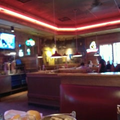 Photo taken at Logan's Roadhouse by Linda B. on 9/20/2012