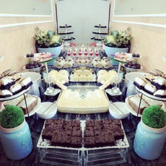 Photo taken at Love Desserts by Mayel A. on 12/12/2014