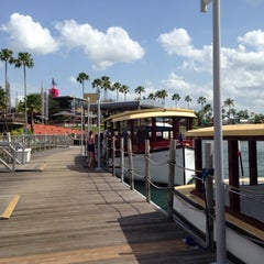 Photo taken at CityWalk Water Taxi by Lynette D. on 6/15/2014