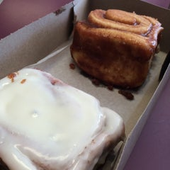Photo taken at Old West Cinnamon Rolls by Heather S. on 8/9/2015