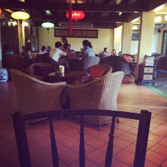 Photo taken at กาแฟฮูย่า (Coffee HooYa) by Moku K. on 5/26/2015