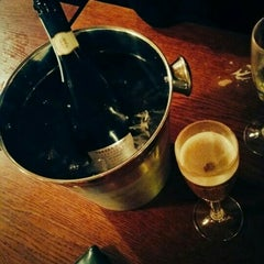 Photo taken at The Walnut Tree (Wetherspoon) by Erol D. on 12/21/2015