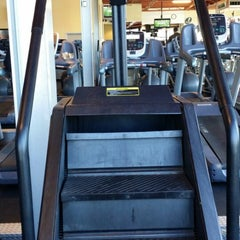 Photo taken at 24 Hour Fitness by Darren S. on 1/1/2015