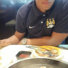 Photo taken at Seoul Garden by Adzreen A. on 6/13/2015