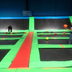Photo taken at Bounce Trampoline Sports by Maryann L. on 10/8/2014