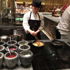 Photo taken at 北京嘉里大酒店 Kerry Hotel by John H. on 11/21/2012