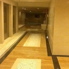 Photo taken at Kingdom Hotel Yiwu by Alliance Consultants & Exports Ltd T. on 2/2/2013