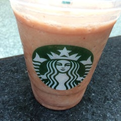 Photo taken at Starbucks by Klark K. on 5/31/2014