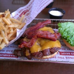 Photo taken at Smashburger by Fabian G. on 9/30/2012
