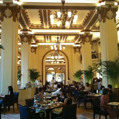 Photo taken at The Peninsula Hong Kong 香港半島酒店 by Mo N. on 9/1/2012