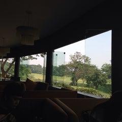 Photo taken at Jack's Golfer Terrace by Indira Renantera on 12/29/2013