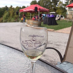 Photo taken at Penns Woods Winery by Shih-Han C. on 10/4/2014