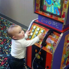 Photo taken at Chuck E. Cheese's by Donald B. on 12/30/2013