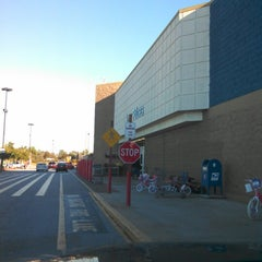 Photo taken at Walmart Supercenter by Joe Z. on 11/25/2012