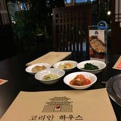Photo taken at Korean House by Fifi K. on 12/12/2014