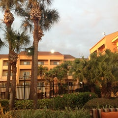 Photo taken at Courtyard by Marriott by jjsnuggle on 2/6/2013