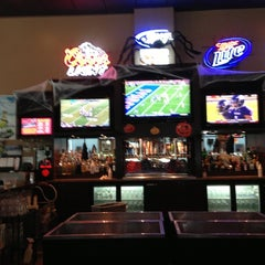 Photo taken at Stadia Sports Grill by Theron V. on 10/27/2012