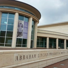 Photo taken at Abraham Lincoln Presidential Museum by Wendy C. on 6/30/2013