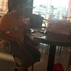 Photo taken at Dunkin' Donuts by Rika S. on 11/21/2015