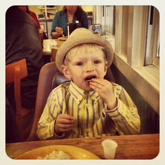 Photo taken at Golden Corral by Amy J. on 3/31/2013