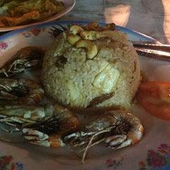 Photo taken at Restoran Makanan Thai Asli / Om Fruit Juice by Shelyna B. on 12/31/2012