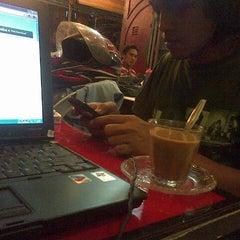 Photo taken at Grand Keude Kupie Ulee Kareng & Gayo by Bagus B. on 12/21/2012