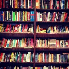 Photo taken at Livraria Saraiva by Iguatemi C. on 1/29/2013