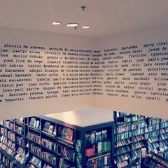 Photo taken at Livraria Saraiva by Iguatemi C. on 3/20/2013
