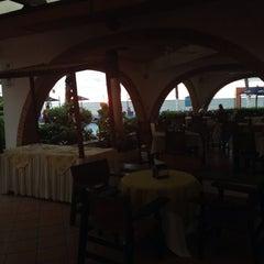 Photo taken at Hotel Rosita by Ana Maria U. on 9/28/2015