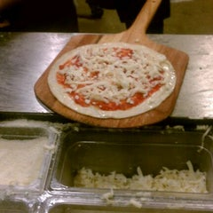 Photo taken at Pieology Pizzeria by Bryant S. on 3/1/2012