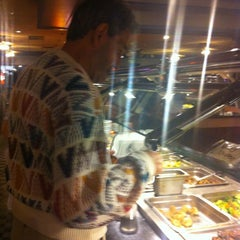 Photo taken at Crown China Super Buffet by MoniQue on 2/13/2012