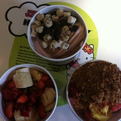 Photo taken at Yogurtland by Alexis D. on 7/15/2012