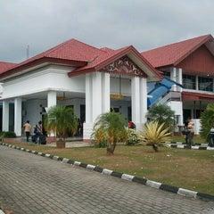 Photo taken at Bandara Fatmawati Soekarno (BKS) by Oos D. on 5/20/2012