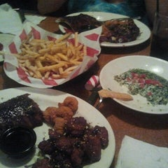 Photo taken at TGI Fridays by M.A.R R. on 9/7/2012