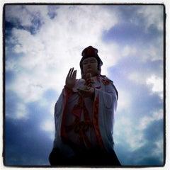 Photo taken at วัดสมานรัตนาราม (Wat Samanrattanaram) by นิศานารถ ก. on 8/4/2012
