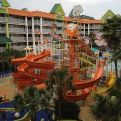 Photo taken at Nickelodeon Suites Resort by Mark H. on 5/13/2012