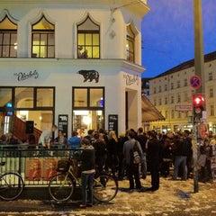 Photo taken at St. Oberholz by Gordon S. on 9/1/2012