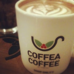 Photo taken at Coffea Coffee 코페아커피 by ULim p. on 8/12/2012