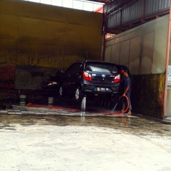 Photo taken at Auto Bridal 81 Doorsmeer by Partogi G. on 4/4/2015