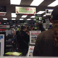 Photo taken at Gamestop by Alfredo M. on 12/26/2013