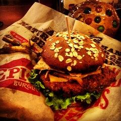 Photo taken at Epic Burger by Igin I. on 3/9/2013