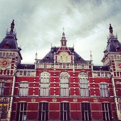 Photo taken at Station Amsterdam Centraal by Jann E. on 5/12/2013