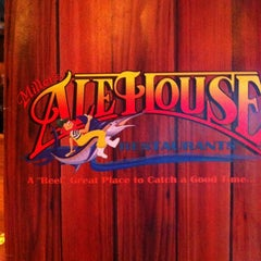 Photo taken at Miller's Coral Gables Ale House by Juan C. on 9/3/2012