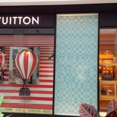 Photo taken at Louis Vuitton by eSpacioShop .. on 7/31/2013